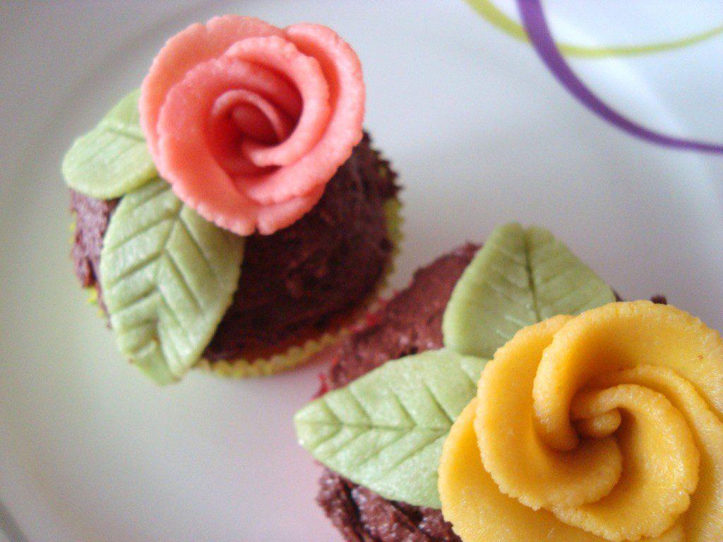 Cupcakes mit Marzipanrosen